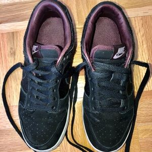 Nike Women Limited Edition Sneakers Black Purple 7
